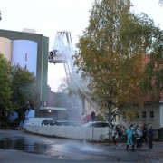 jentene_paa_brannstasjon_2011
